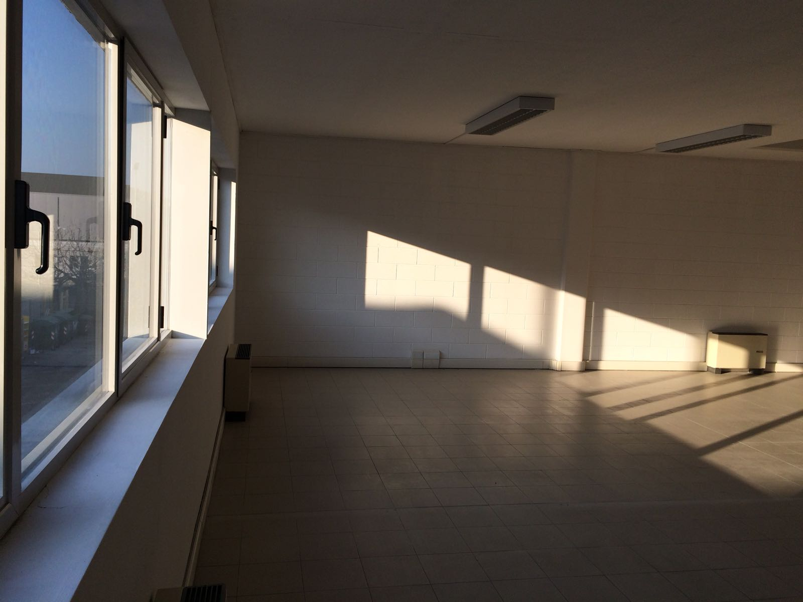 Ufficio / Studio in affitto a Tavagnacco, 9999 locali, prezzo € 800 | CambioCasa.it