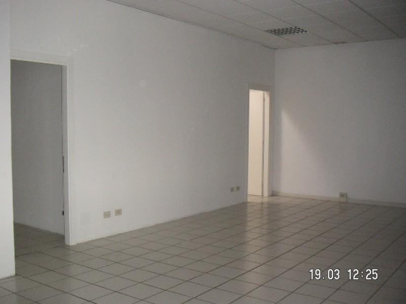 Ufficio / Studio in affitto a Tavagnacco, 9999 locali, prezzo € 1.300 | CambioCasa.it