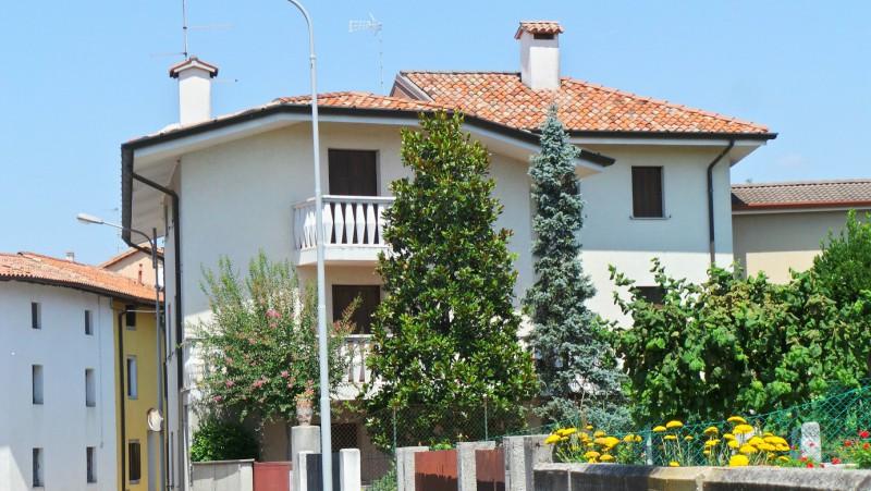 Altro in vendita a Campoformido, 8 locali, prezzo € 185.000 | Cambio Casa.it