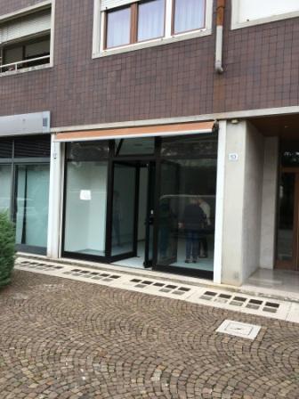 Negozio / Locale in affitto a Udine, 9999 locali, prezzo € 400 | CambioCasa.it