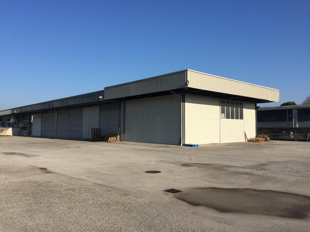 Laboratorio in vendita a Campoformido, 9999 locali, prezzo € 240.000 | CambioCasa.it