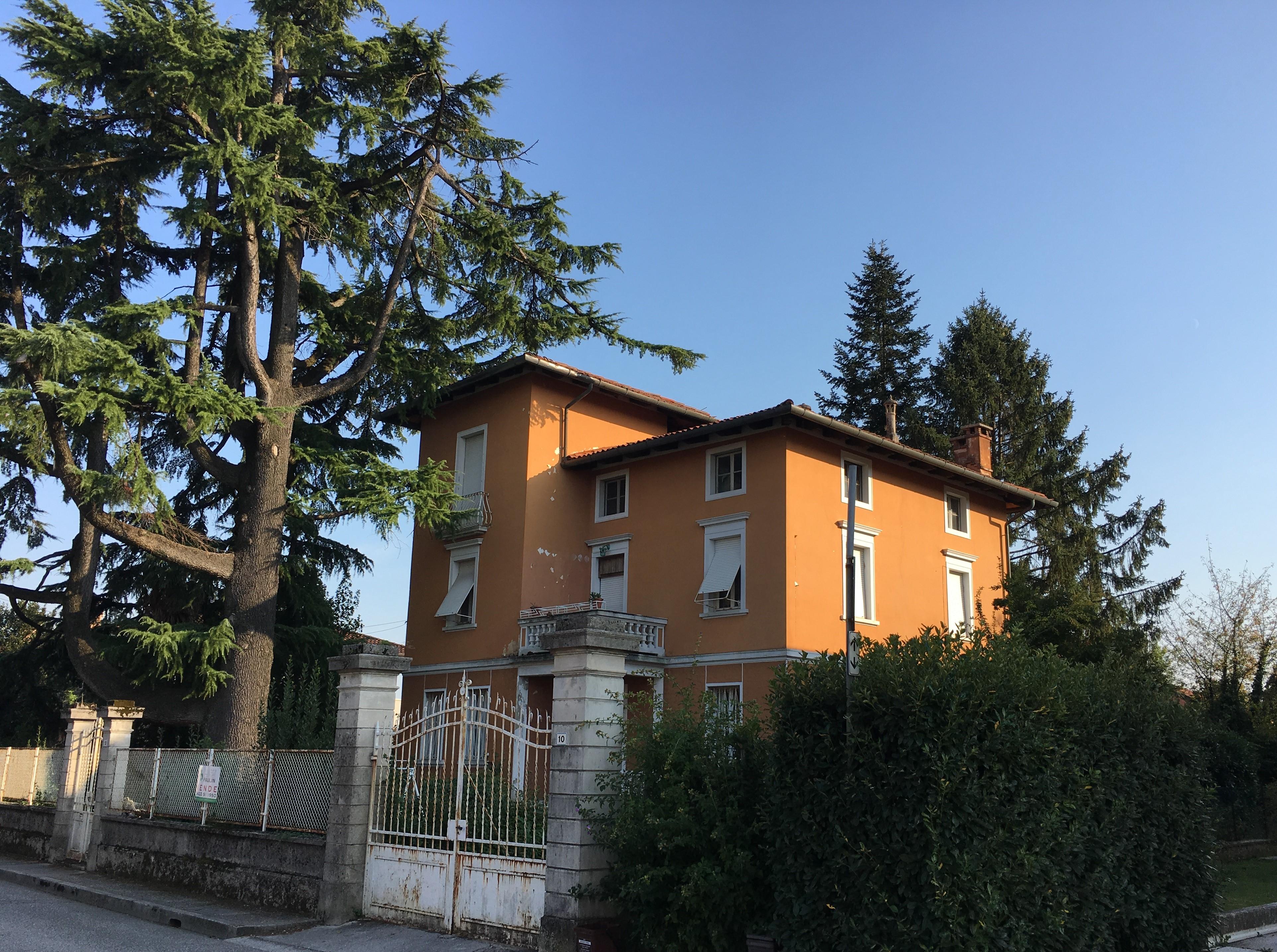 Villa in vendita a Pasian di Prato, 5 locali, prezzo € 300.000 | CambioCasa.it