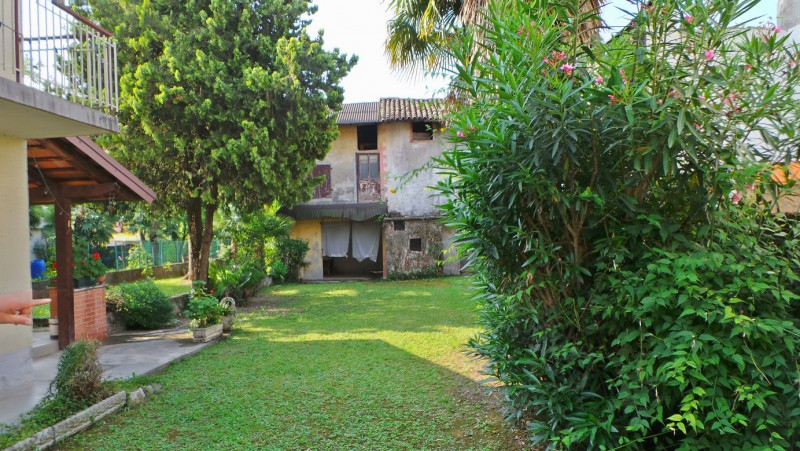 Rustico / Casale in vendita a Martignacco, 8 locali, prezzo € 70.000 | Cambio Casa.it