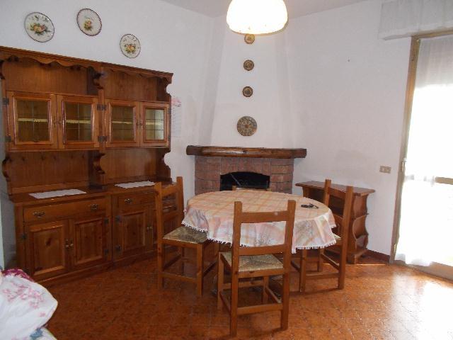 Appartamento da ristrutturare in vendita Rif. 4990907