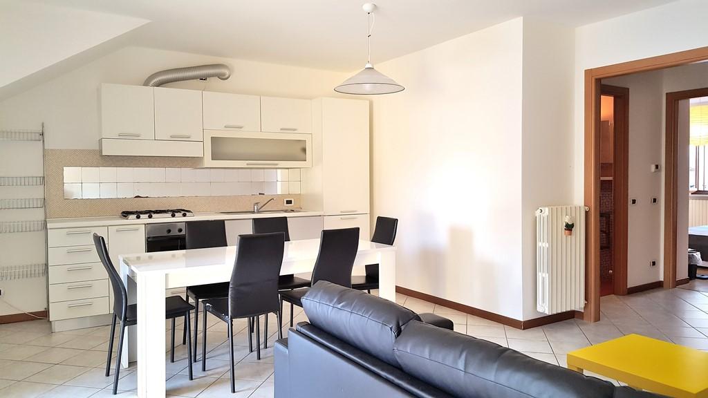 Appartamento ristrutturato arredato in affitto Rif. 8517725