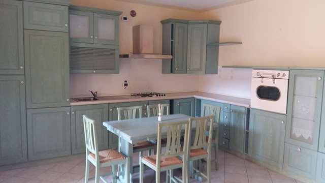 Appartamento da ristrutturare arredato in affitto Rif. 8827542