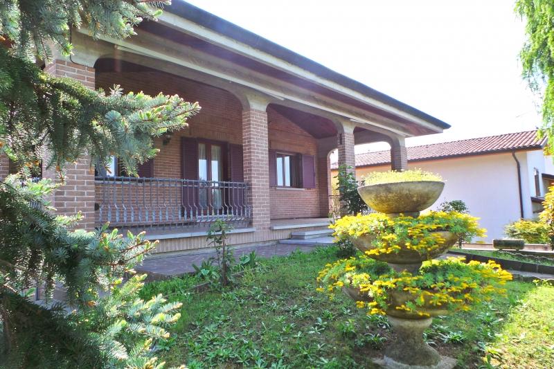 Villa vendita PALAZZOLO DELLO STELLA (UD) - 7 LOCALI - 450 MQ
