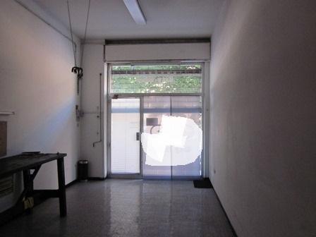 affitta a Foligno negozio di 39 mq in Via Trasimeno con ampia vetrina