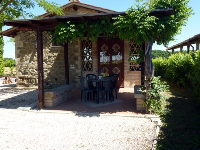 Casetta NIDO x 2 persone +1 con piscina in mezzo alle vigne. Free wifi, orto bio gratis, cesto del benvenuto