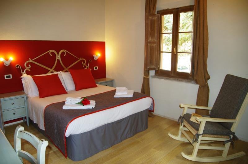Chiusi affittasi casa vacanze zona Dolciano - appartamenti trilocali superior in  stile country