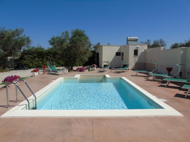 Villa Salento con piscina per una vacanza confortevole