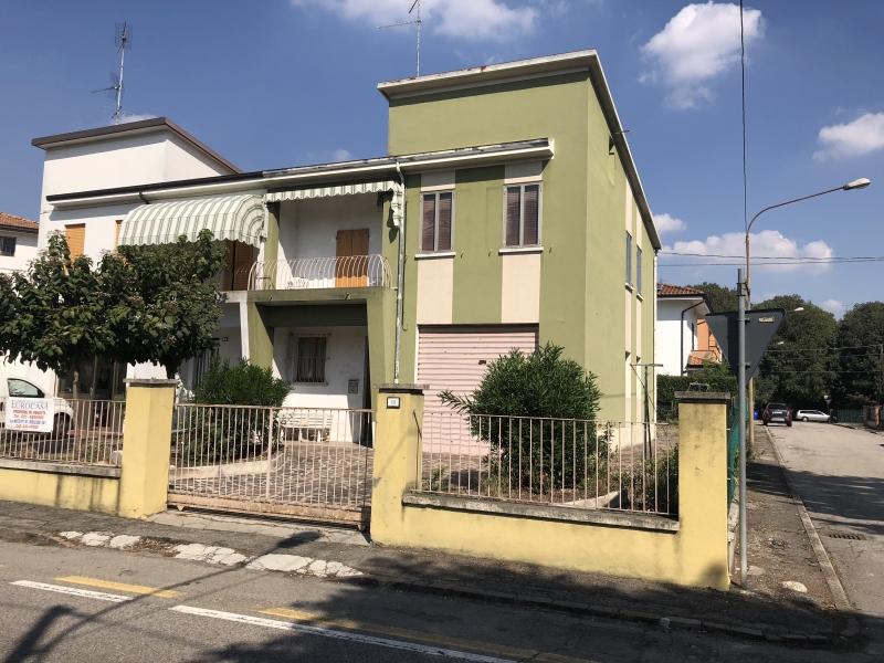 Appartamento vendita CAMPOSANTO (MO) - 6 LOCALI - 250 MQ