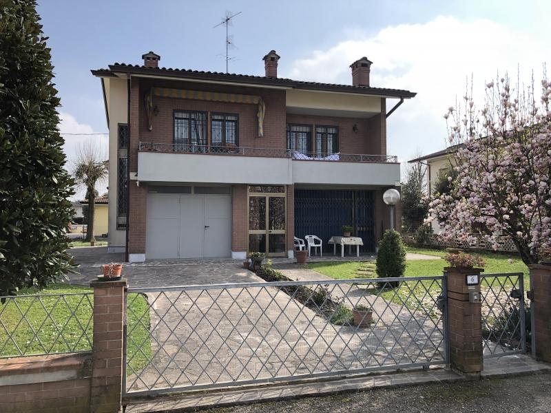 Villa vendita CAMPOSANTO (MO) - 7 LOCALI - 275 MQ