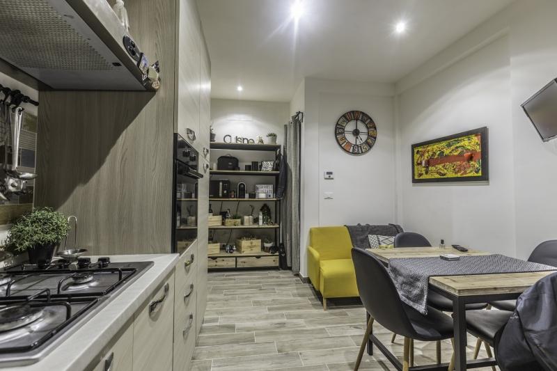 Appartamento ristrutturato arredato in vendita Rif. 8603568