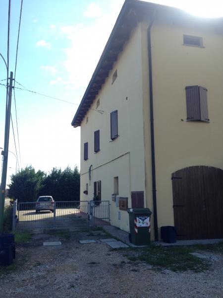 Villa vendita CREVALCORE (BO) - 7 LOCALI - 200 MQ