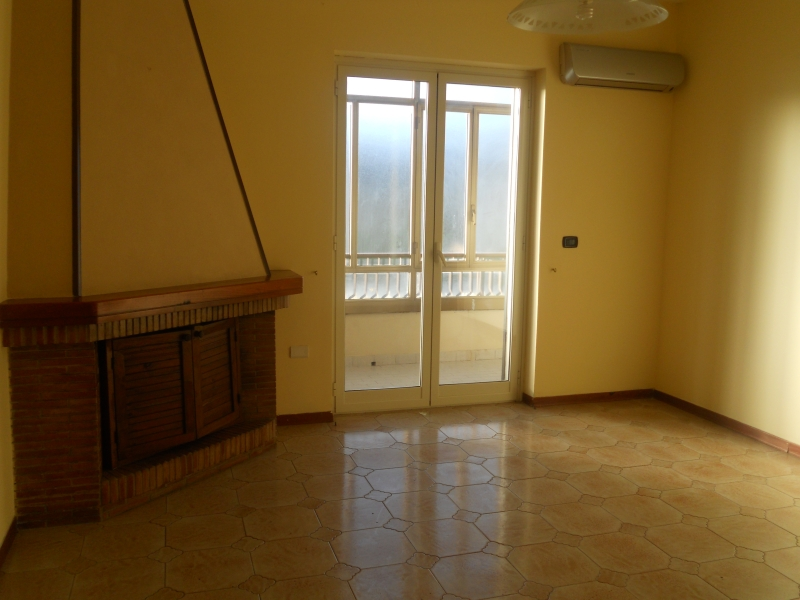 Appartamento affitto AVERSA (CE) - 3 LOCALI - 80 MQ