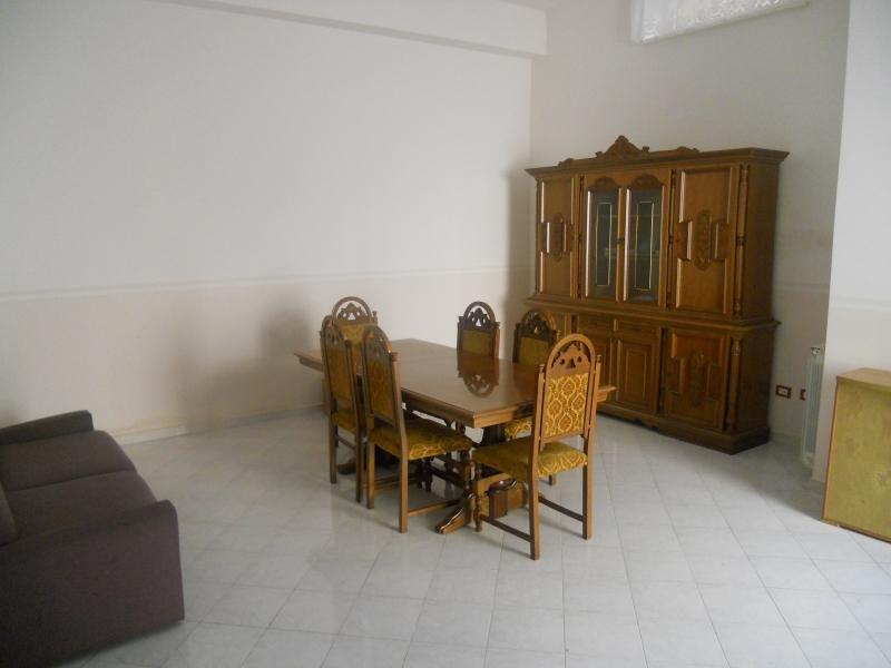 Appartamento affitto AVERSA (CE) - 2 LOCALI - 70 MQ