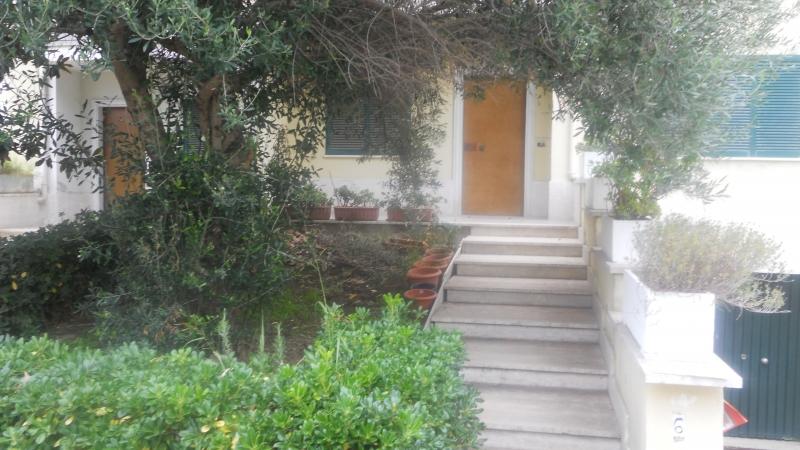 Villa in vendita a Parete, 6 locali, prezzo € 200.000 | Cambio Casa.it