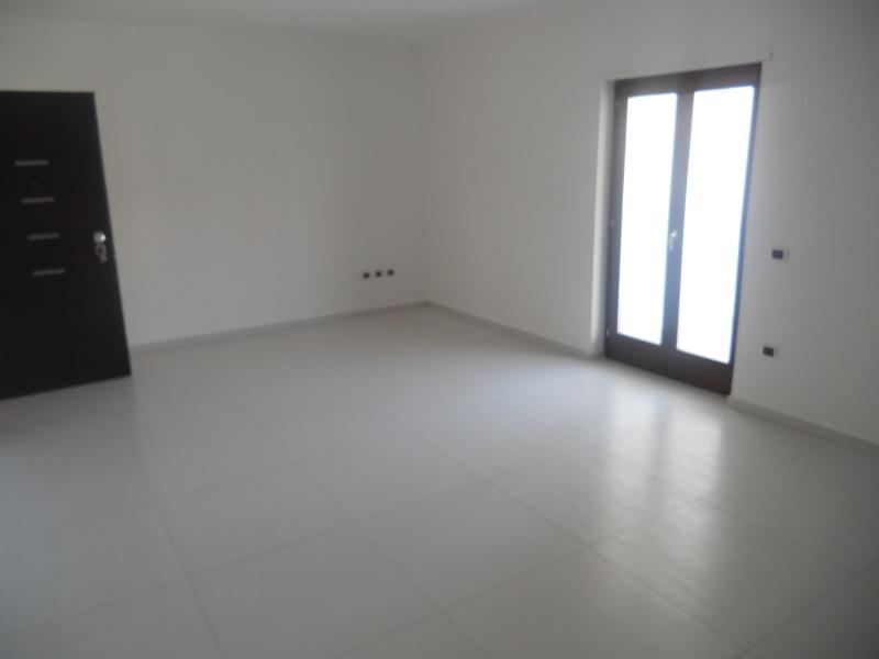 Appartamento vendita TRENTOLA-DUCENTA (CE) - 4 LOCALI - 100 MQ - foto 2