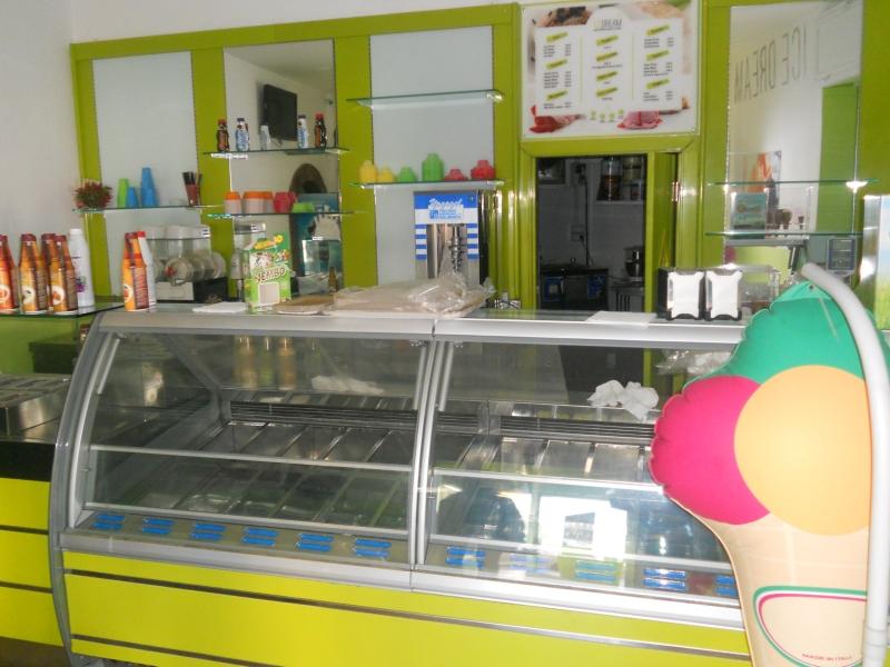Negozio / Locale in affitto a Aversa, 2 locali, prezzo € 420 | CambioCasa.it