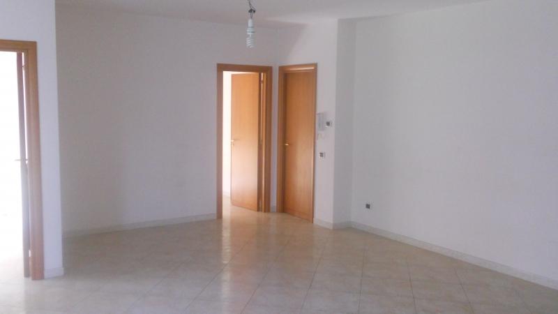 Appartamento in affitto a San Marcellino, 4 locali, prezzo € 450 | Cambio Casa.it