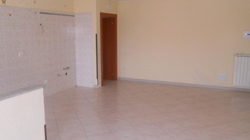 Appartamento in affitto a Teverola, 3 locali, prezzo € 370 | CambioCasa.it