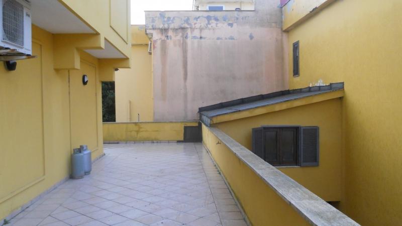 Villa affitto GIUGLIANO IN CAMPANIA (NA) - 5 LOCALI - 250 MQ - foto 2