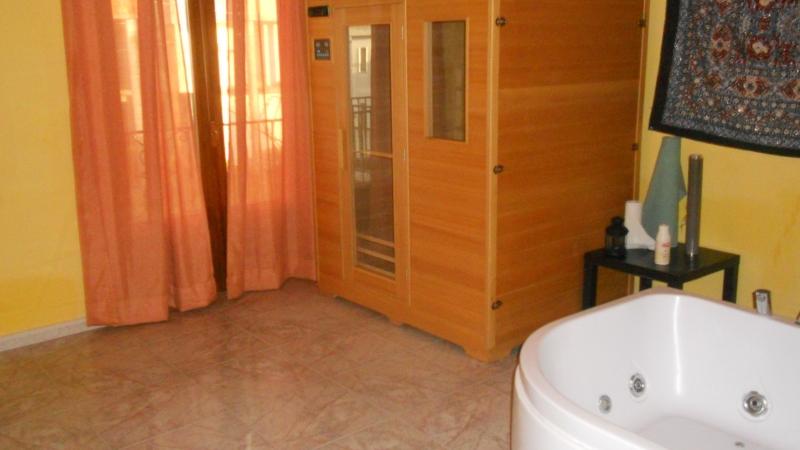 Villa affitto GIUGLIANO IN CAMPANIA (NA) - 5 LOCALI - 250 MQ - foto 7