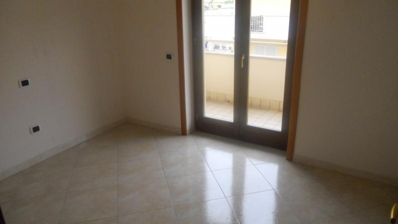 Appartamento affitto SAN MARCELLINO (CE) - 4 LOCALI - 125 MQ - foto 4