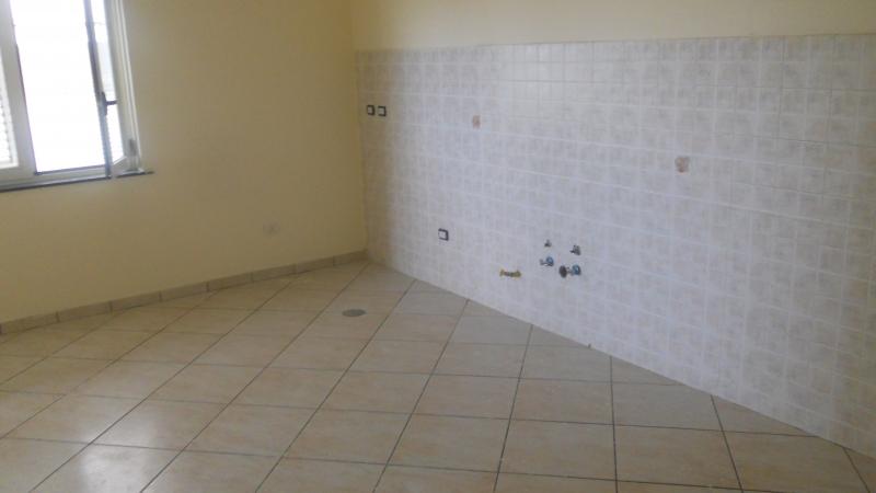 Appartamento in affitto a Frignano, 3 locali, prezzo € 320 | CambioCasa.it