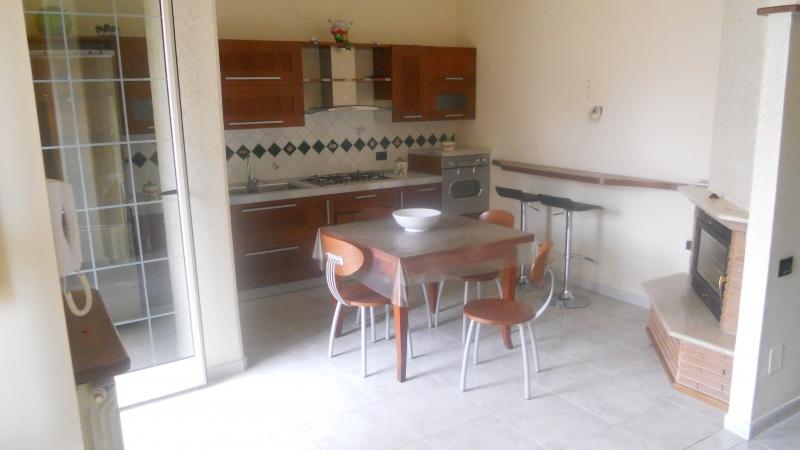 Appartamento in affitto a Casaluce, 4 locali, prezzo € 420 | Cambio Casa.it