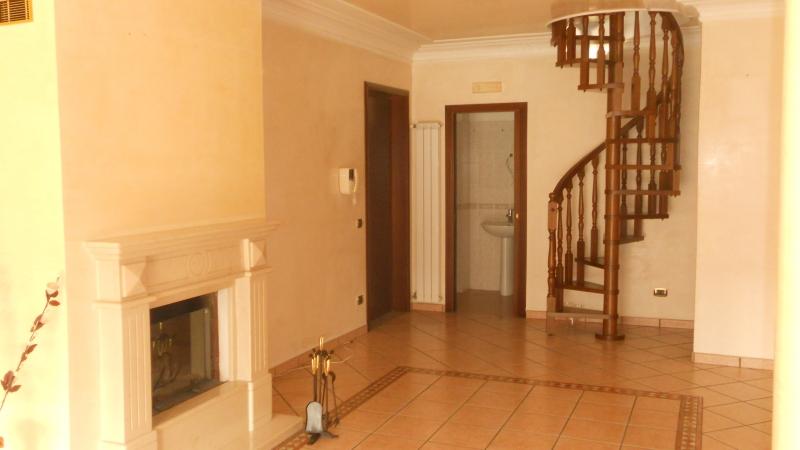 Appartamento in vendita a Trentola-Ducenta, 5 locali, prezzo € 155.000 | Cambio Casa.it