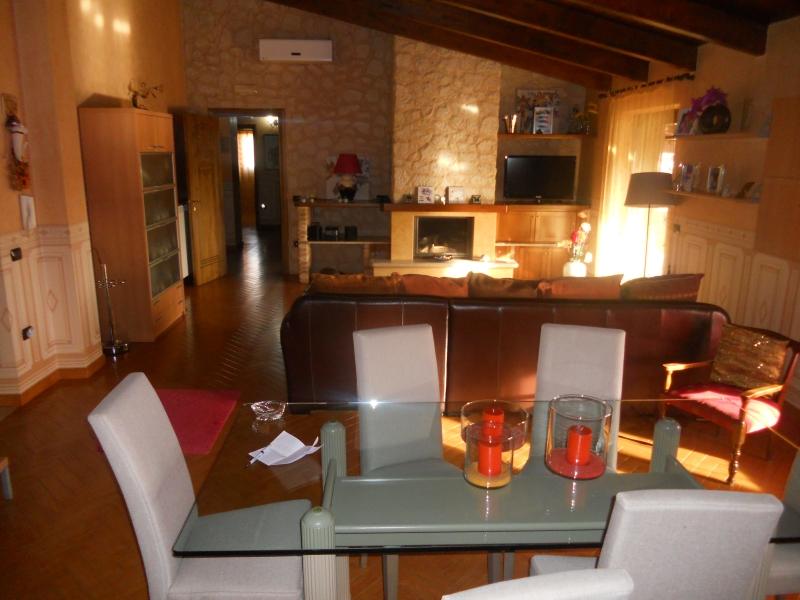 Appartamento affitto Lusciano (CE) - 6 LOCALI - 180 MQ