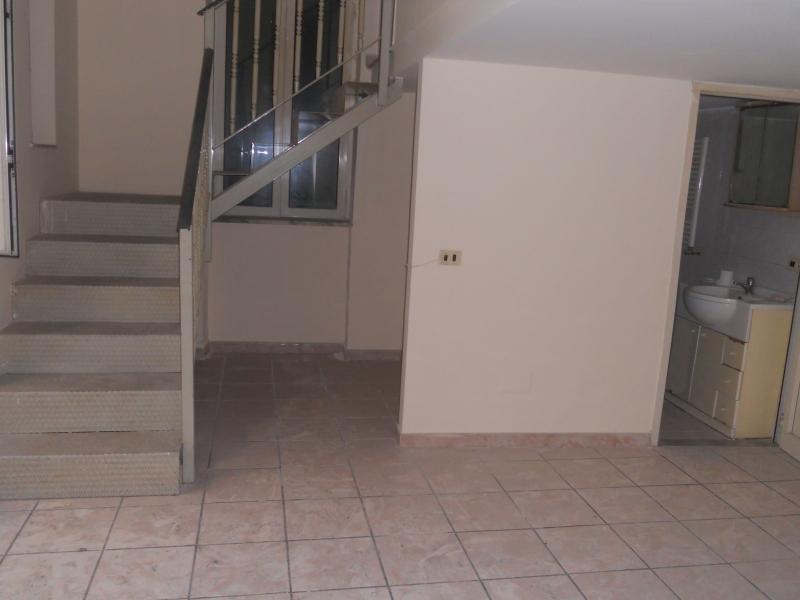 Appartamento in vendita a Aversa, 3 locali, prezzo € 60.000 | CambioCasa.it