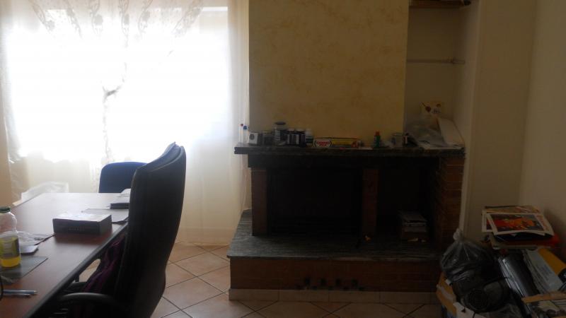 Appartamento in affitto a Lusciano, 3 locali, prezzo € 400 | Cambio Casa.it