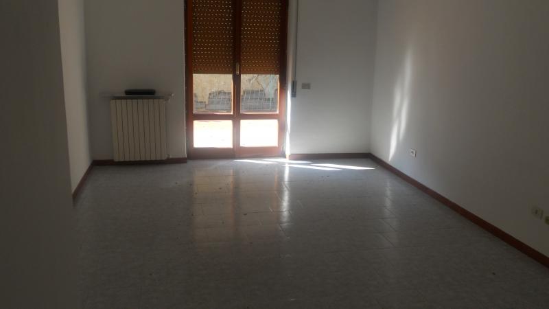Appartamento affitto AVERSA (CE) - 2 LOCALI - 75 MQ