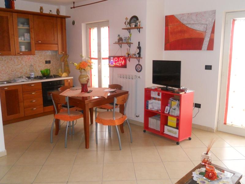Appartamento vendita FRIGNANO (CE) - 3 LOCALI - 90 MQ