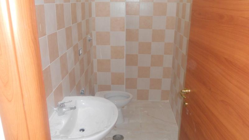 Appartamento affitto LUSCIANO (CE) - 3 LOCALI - 100 MQ - foto 2