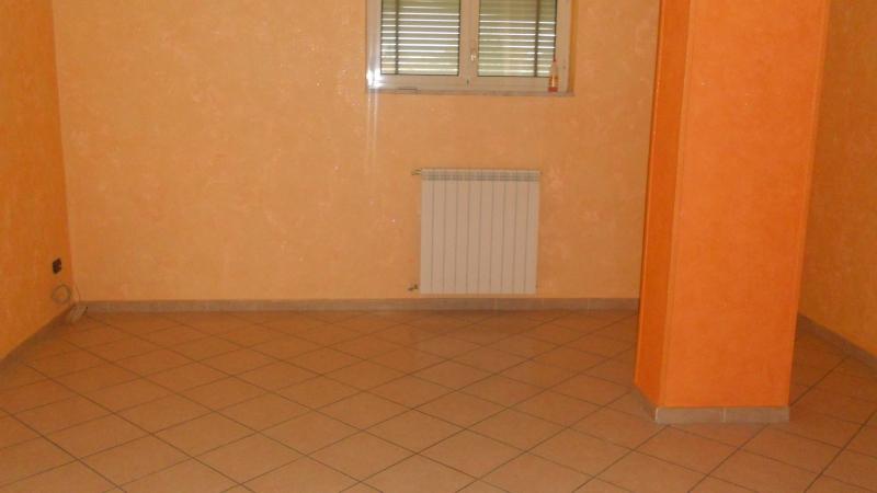 Appartamento affitto AVERSA (CE) - 4 LOCALI - 90 MQ