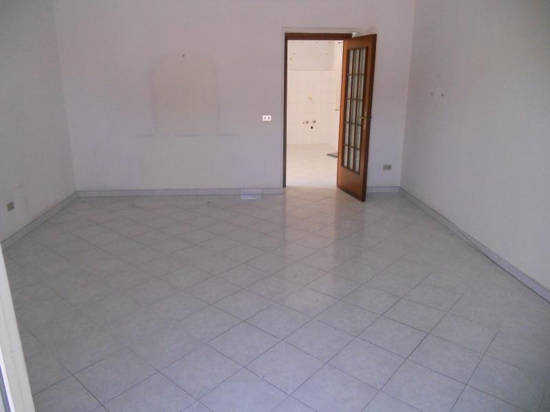 Appartamento affitto AVERSA (CE) - 2 LOCALI - 60 MQ
