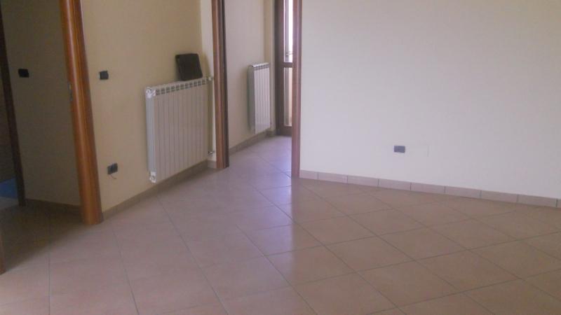 Appartamento in affitto a Cesa, 3 locali, prezzo € 400 | Cambio Casa.it