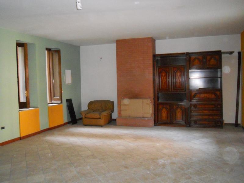 Ufficio / Studio in affitto a Aversa, 2 locali, prezzo € 450 | Cambio Casa.it