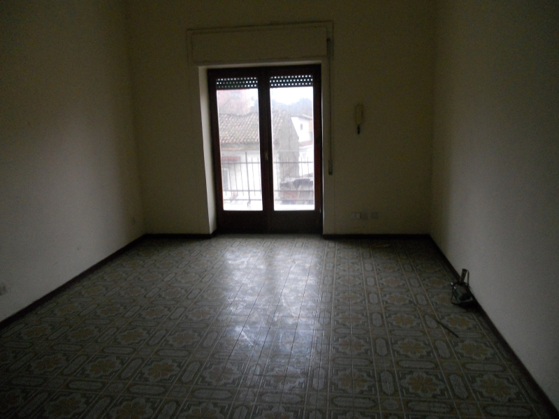 Appartamento in affitto a Trentola-Ducenta, 2 locali, prezzo € 300 | Cambio Casa.it