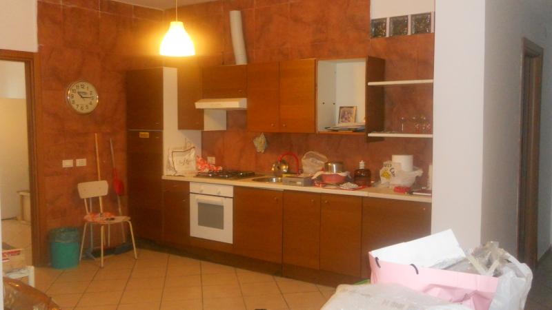 Appartamento in vendita a Aversa, 4 locali, prezzo € 80.000 | Cambio Casa.it