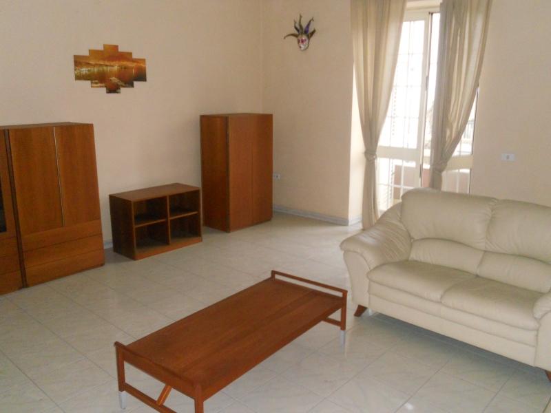 Appartamento affitto LUSCIANO (CE) - 2 LOCALI - 85 MQ