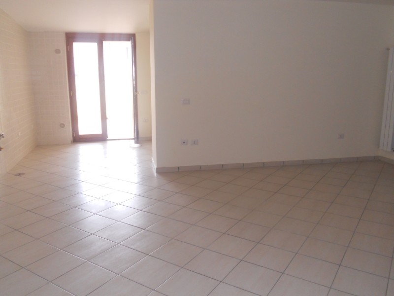 Appartamento in Affitto a Aversa