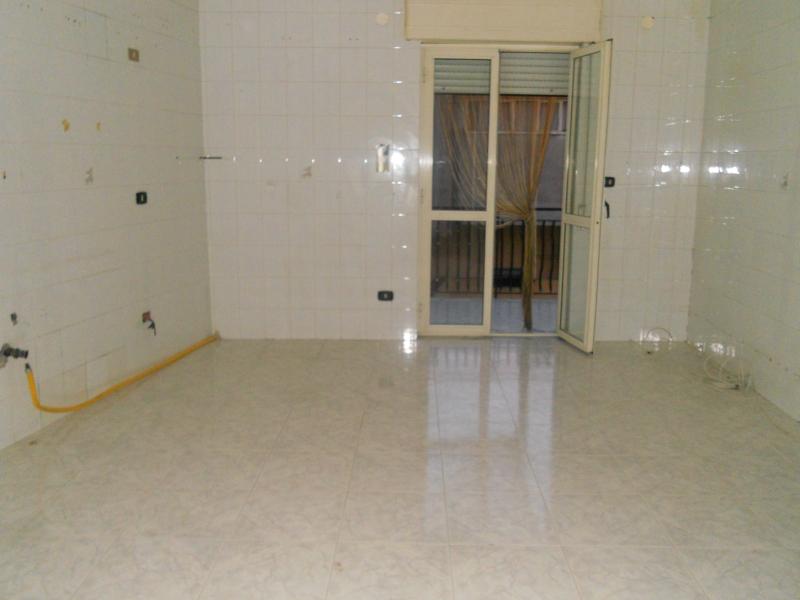 Appartamento affitto TEVEROLA (CE) - 3 LOCALI - 90 MQ