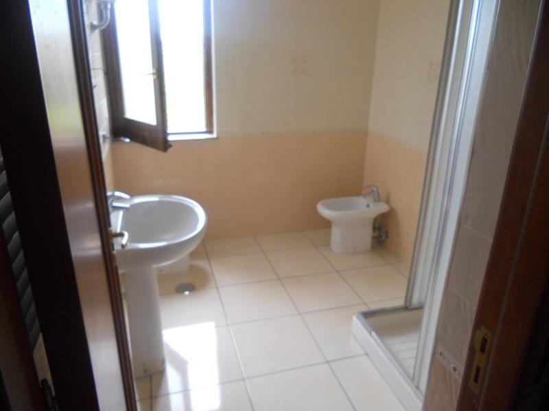 Appartamento affitto LUSCIANO (CE) - 4 LOCALI - 130 MQ - foto 7
