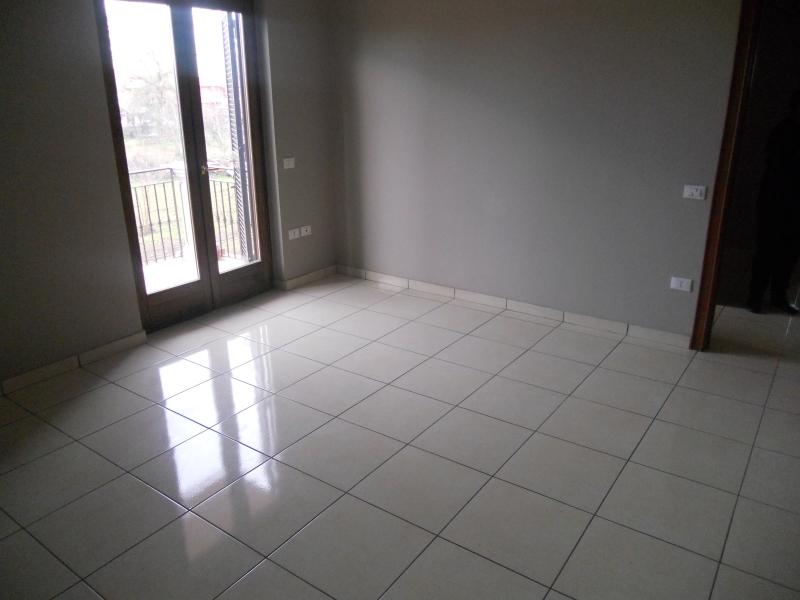 Appartamento affitto LUSCIANO (CE) - 4 LOCALI - 130 MQ - foto 8