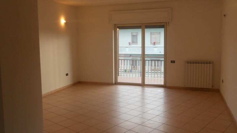 Appartamento affitto SAN MARCELLINO (CE) - 3 LOCALI - 110 MQ - foto 2